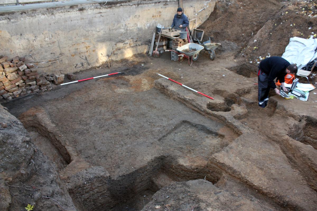 Reste eines frühmittelalterlichen Grubenhauses